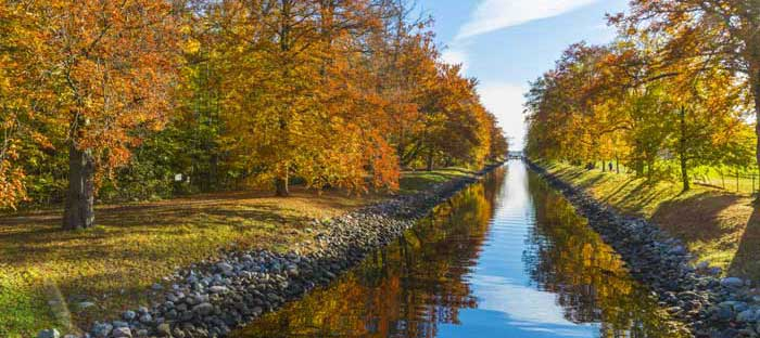 Fall is a wonderful time to enjoy shopping, dining, and the wonderful sights in Bensalem, Bucks County PA